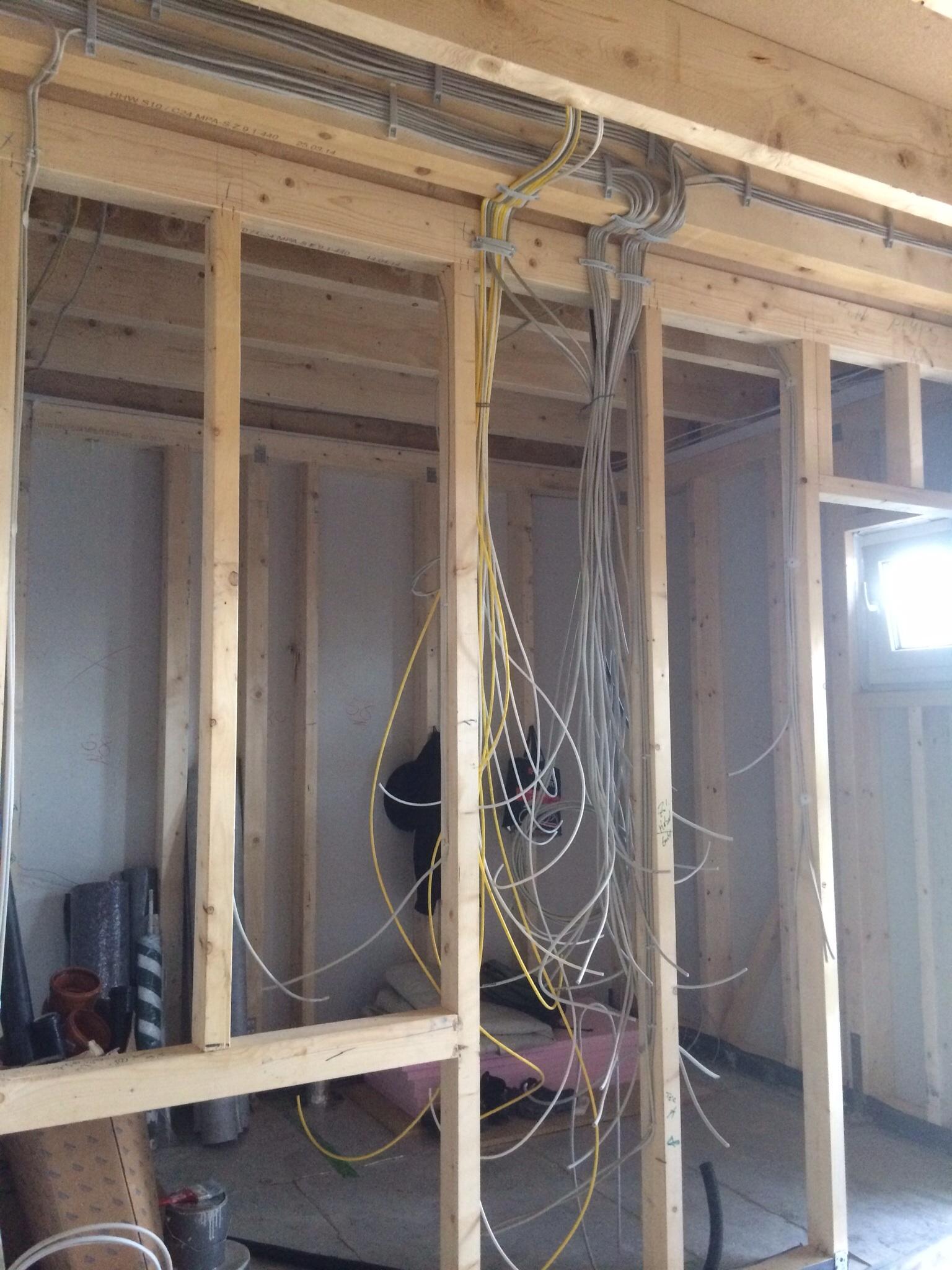 ber hmt haus elektroinstallation zeitgen ssisch der. Black Bedroom Furniture Sets. Home Design Ideas